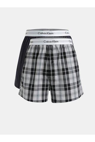 Sada dvou vzorovaných trenýrek v tmavě modré a šedé barvě Calvin Klein Underwear