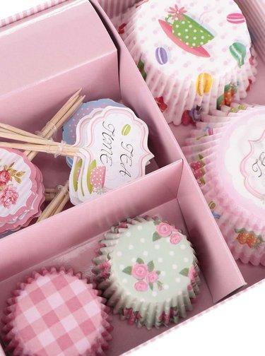 Súprava papierových košíčkov na pečenie s motívom sladkostí Dakls
