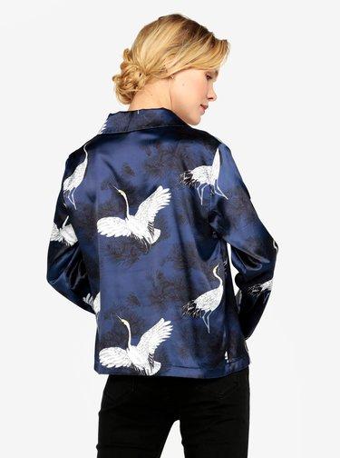 Tmavomodrá saténová blúzka s potlačou vtákov MISSGUIDED