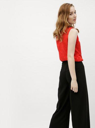 Červená kvetovaná blúzka s volánmi M&Co