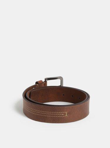 Hnědý kožený pásek s přezkou ve stříbrné barvě Dice King