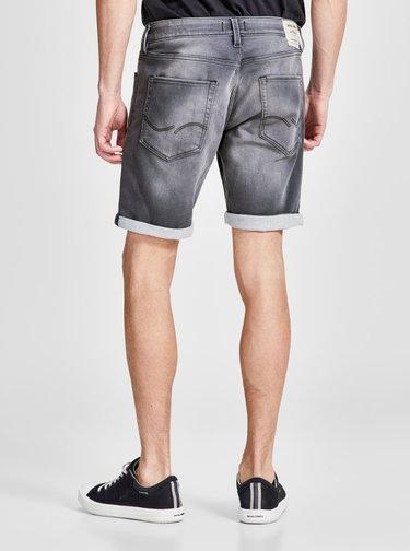 Pantaloni scurti din denim  regular fit gri cu terminatie rasucita - Jack & Jones Rick