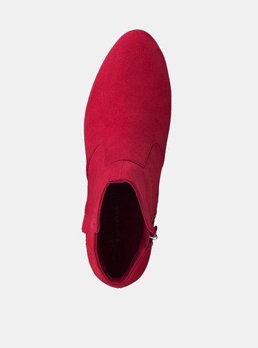 Červené členkové topánky v semišovej úprave Tamaris Maura