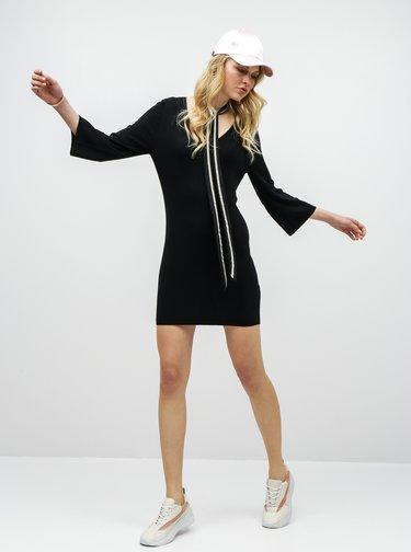 Čierne svetrové šaty s odnímateľnou mašľou ONLY Noora