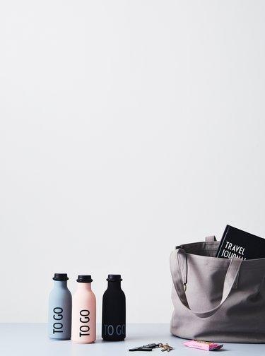 Starorúžová fľaška na nápoj Design Letters To Go 500 ml