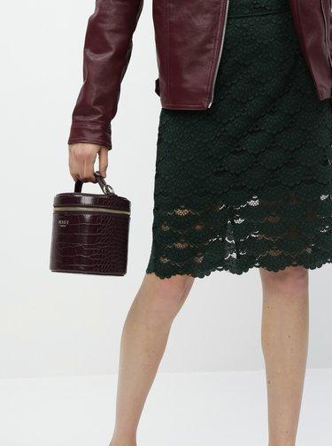 Vínová crossbody kabelka s krokodýlím vzorem Bessie London