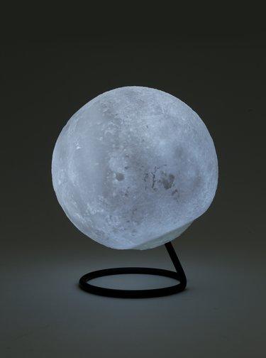 Biela lampa v tvare mesiacu Gift Republic