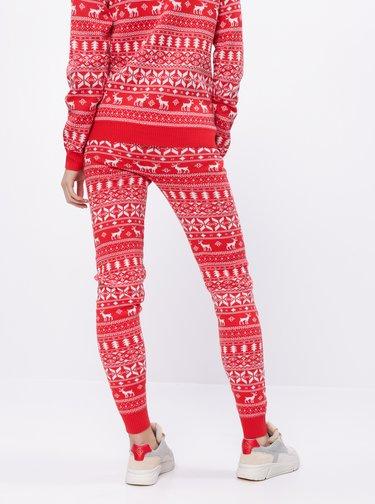 Červené tepláky s vánočním motivem VILA Kosi