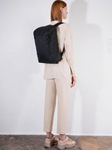 Černý batoh pinqponq Purik 21 l