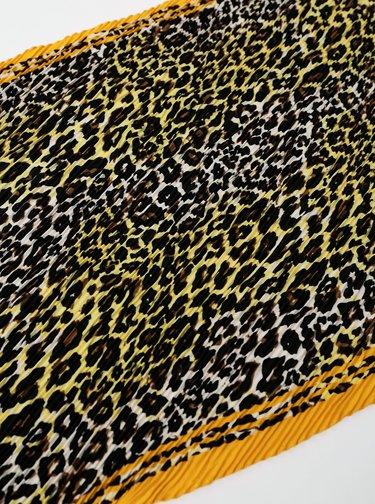 Žluto-hnědý šátek s leopardím vzorem Pieces Naima
