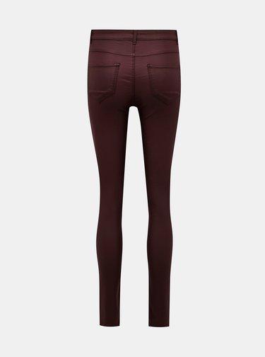 Vínové kalhoty s povrchovou úpravou VILA