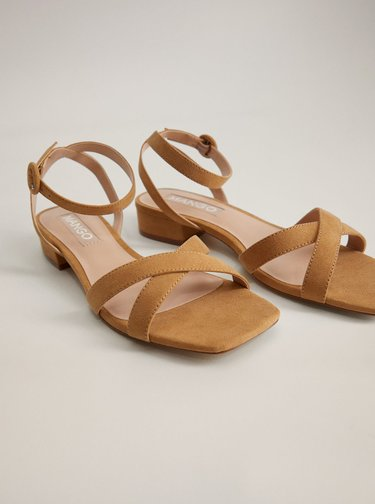 Hnědé sandálky v semišové úpravě Mango Lucas