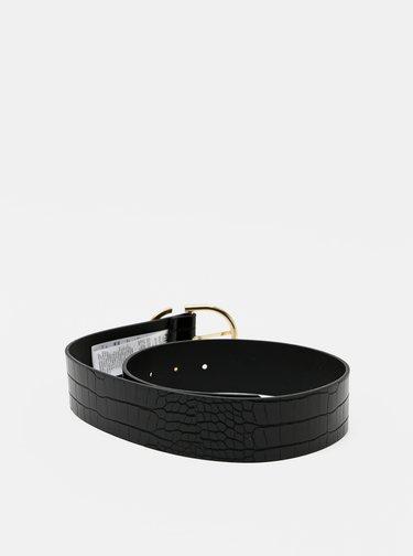 Černý pásek s krokodýlím vzorem Pieces Anie