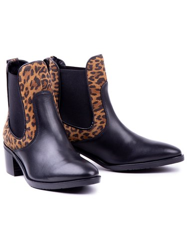 Tommy Hilfiger černé kotníkové kozačky Leo Print Che s leopardím vzorem