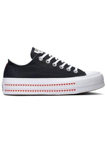 Converse černé tenisky na platformě Chuck Taylor All Star Lift Black se srdíčky