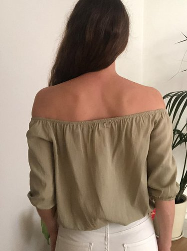 Khaki halenka s odhalenými rameny Trendyol