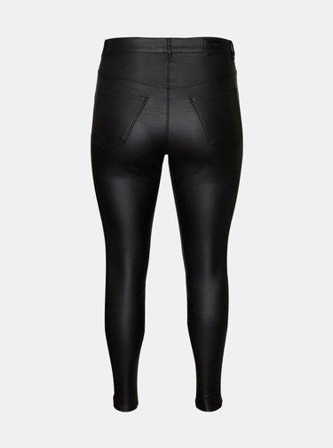 Čierne nohavice s povrchovou úpravou VERO MODA CURVE Lora