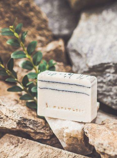 Mýdlo sbambuckým máslem Almara Soap After Tattoo