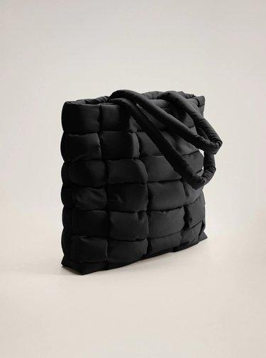 Černý prošívaný shopper Mango Edredon