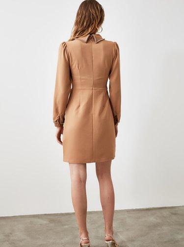 Hnědé šaty s límečkem Trendyol