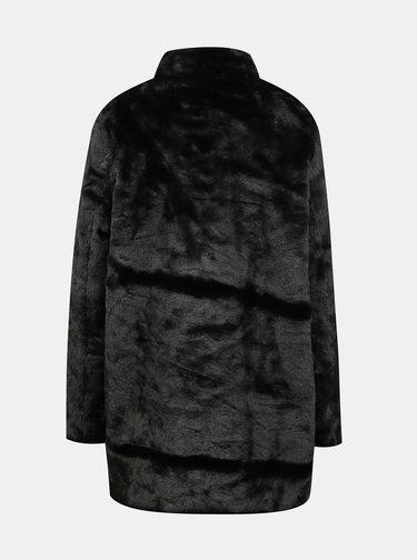 Černý kabát z umělého kožíšku JUNAROSE