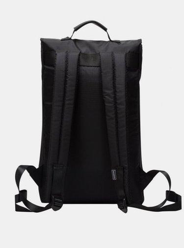 Čierny batoh Consigned