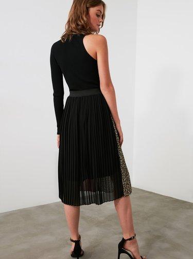 Vínovo-černá plisovaná sukně Trendyol