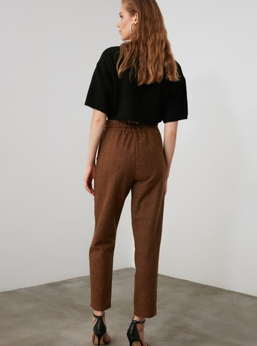 Hnedé dámske skrátené nohavice s prímesou vlny Trendyol