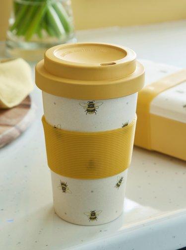 Krémovo-žlutý cestovní hrnek Cooksmart