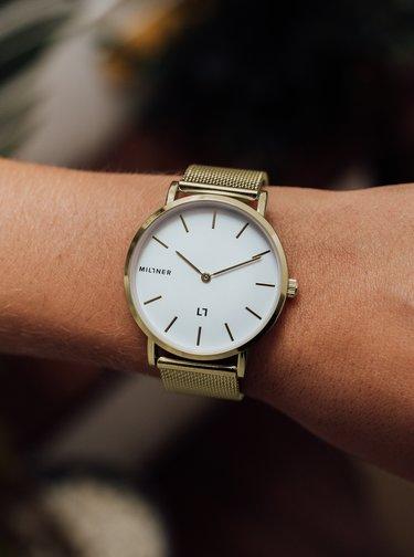 Dámské hodinky s nerezovým páskem ve zlaté barvě Millner Mayfair