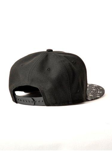 New Era NE950 FLECT HOOK BLKWHI kšiltovka s rovným kšiltem - černá