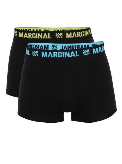 Sada dvou černých boxerek se žlutým a modrým nápisem Marginal