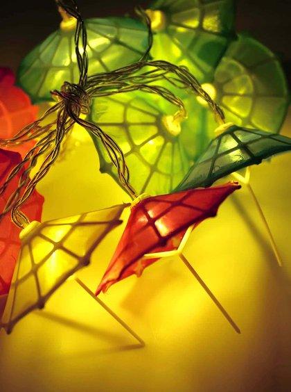 Șnur de umbrele luminoase colorate de la Helio Ferretti