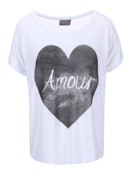 Bílé tričko s potiskem srdce VERO MODA Didie