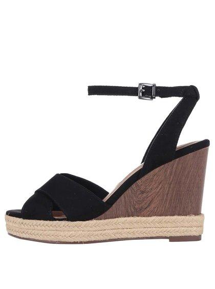 Čierne sandále na platforme Tamaris