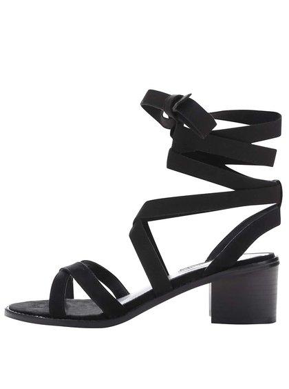 Černé sandály na podpatku v semišové úpravě Miss Selfridge