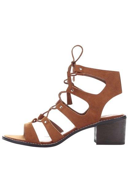 Svetlohnedé sandále na podpätku v semišovej úprave Miss Selfridge