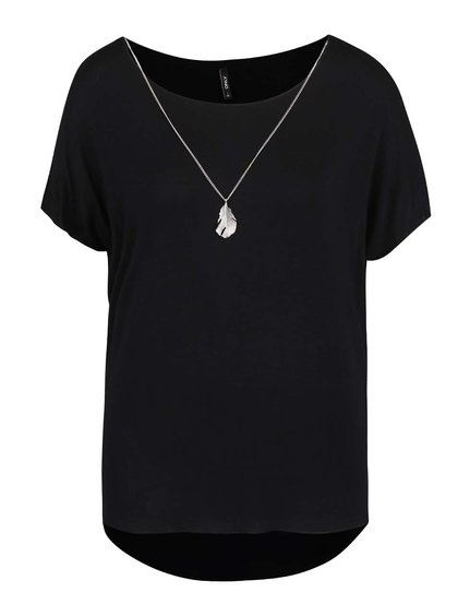 Čierne tričko s ozdobným pierkom na retiazke v striebornej farbe ONLY Sylvia