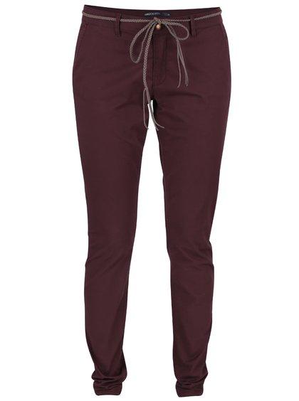 Vínové chino kalhoty s páskem ONLY Garland
