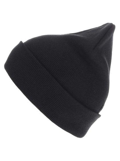 Černá zimní čepice s ohrnutým lemem Blend