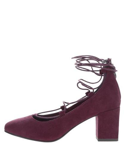 Vínové topánky so šnurovaním v semišovej úprave Tamaris
