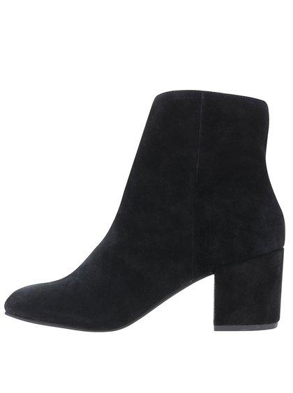 Čierne členkové semišové topánky na podpätku Miss Selfridge