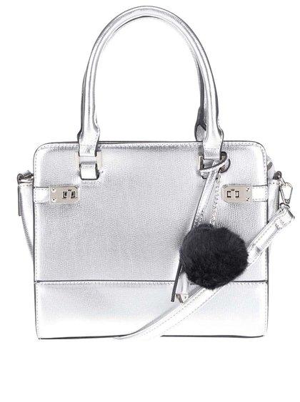 Kabelka ve stříbrné barvě s přívěskem  Miss Selfridge