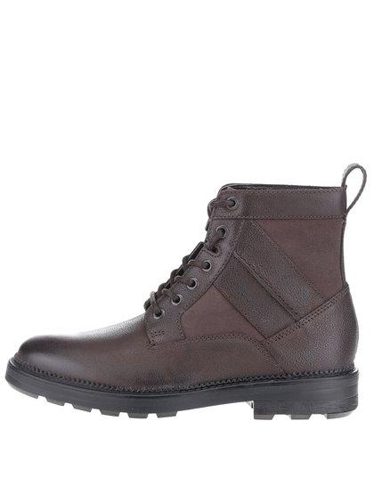 Tmavohnedé pánske kožené členkové topánky Clarks Tyrus Rise
