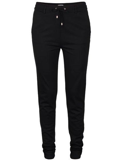 Černé volnější kalhoty VILA Riasta