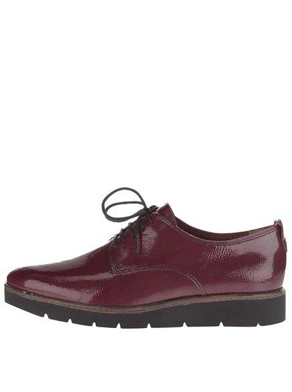Vínové kožené boty na vzorovaném klínku Tamaris