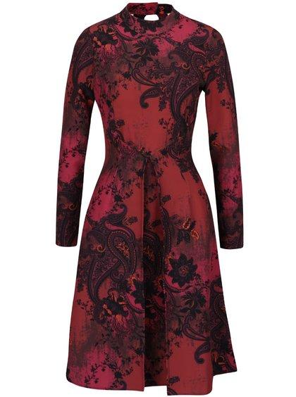 Čierno-červené vzorované šaty s dlhým rukávom Closet