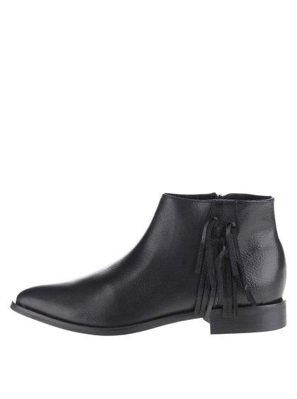 Černé kožené boty s třásní Pieces Derika