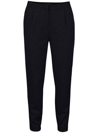 Tmavomodré voľnejšie nohavice Vero Moda Cassy