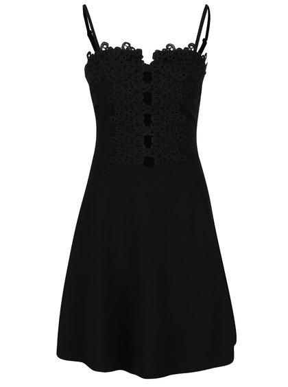 Černé šaty s tenkými ramínky a krajkou Miss Selfridge